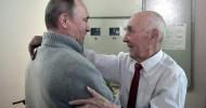 Putin visits his former KGB boss on his 90th birthday (VIDEO)