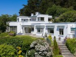 King of the hill on Howth's Somali strip for €4m Restaurateur's unusual hillside home has impeccable modernist credentials and fantastic sea views