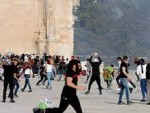 Clashes erupt at Al-Aqsa site amid heightened tensions on Jerusalem Day(VIDEO)